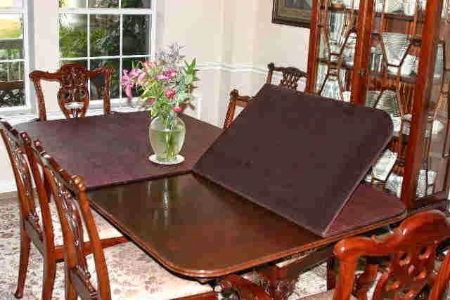 Gaining The Proper Table Pads For Your Dining Room Table