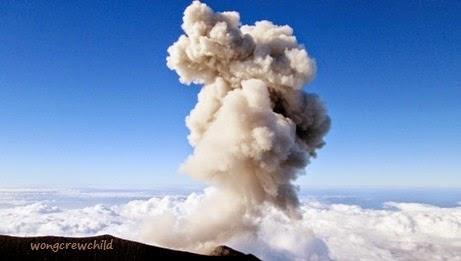 gambar puncak gunung semeru