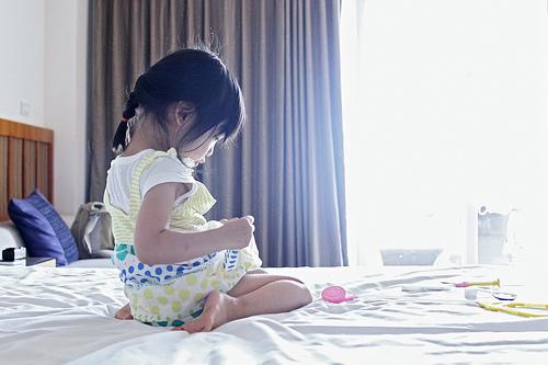 Cute Baby Girl in a lovely Dress - cutipedia