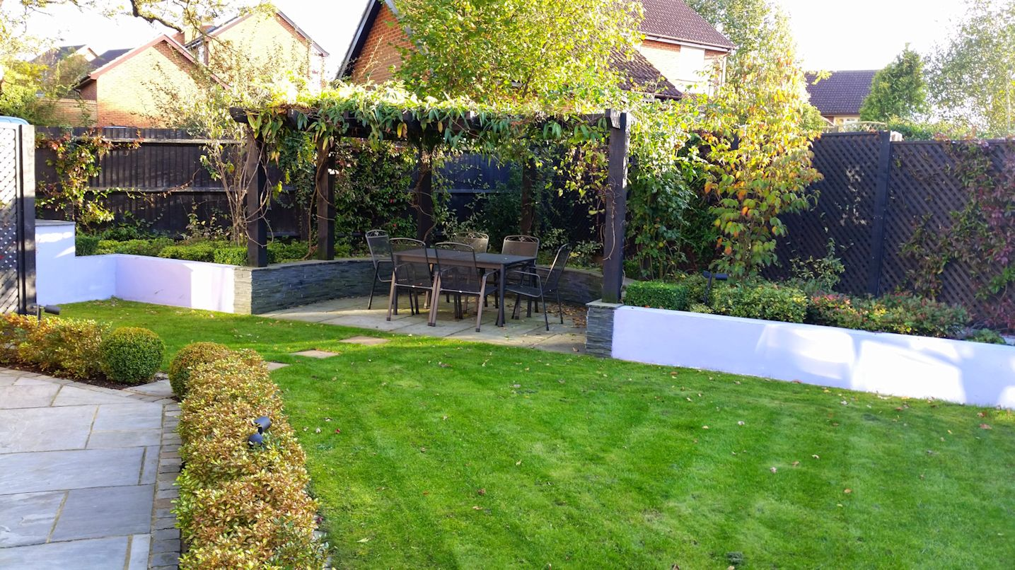 A life designing garden design creating private spaces for Modern garden design