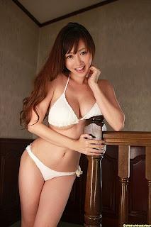 foto payudara besar model hot