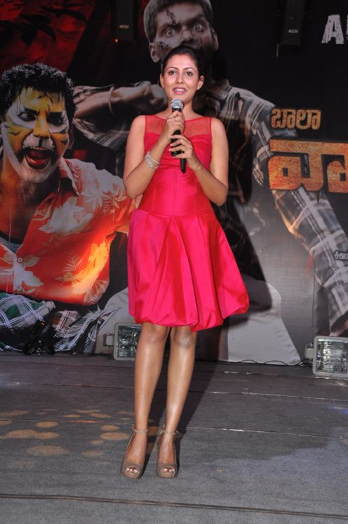 Madhu Shalini Hot Stills at Vadu Veedu Movie Audio Release Launch navel show