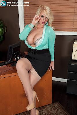 Rockell_Hot Secretary_2