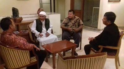 Paksa karyawan Muslim pakai atribut natal, LUIS datangi hotel Sahid Jaya