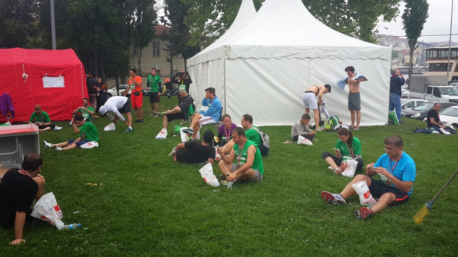 Vodafone Yarı İstanbul Maratonu 2014 Nisan cimenlik dinlenme