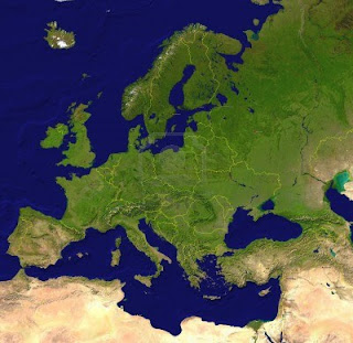 Sondaggi d'Europa /97: In Germania la Merkel avanti senza problemi; i Popolari spagnoli ancora in maggioranza relativa, ma con enorme salasso di seggi. Il Portogallo e la Slovacchia in mano al centrosinistra; pochi cambiamenti in Ungheria e Grecia.