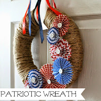 http://www.wonderfullymadebyleslie.com/2014/06/patriotic-wreath.html