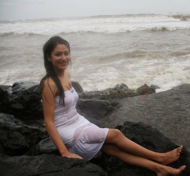 Hamatiya Lanka : Hikkaduwa Beach Party in Sri Lanka
