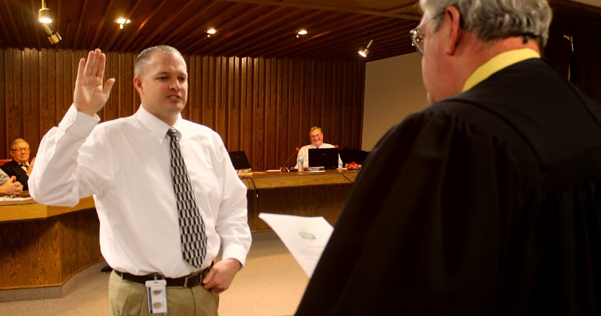 The Payson Chronicle Brad Bishop Sworn In As New Payson Police Chief