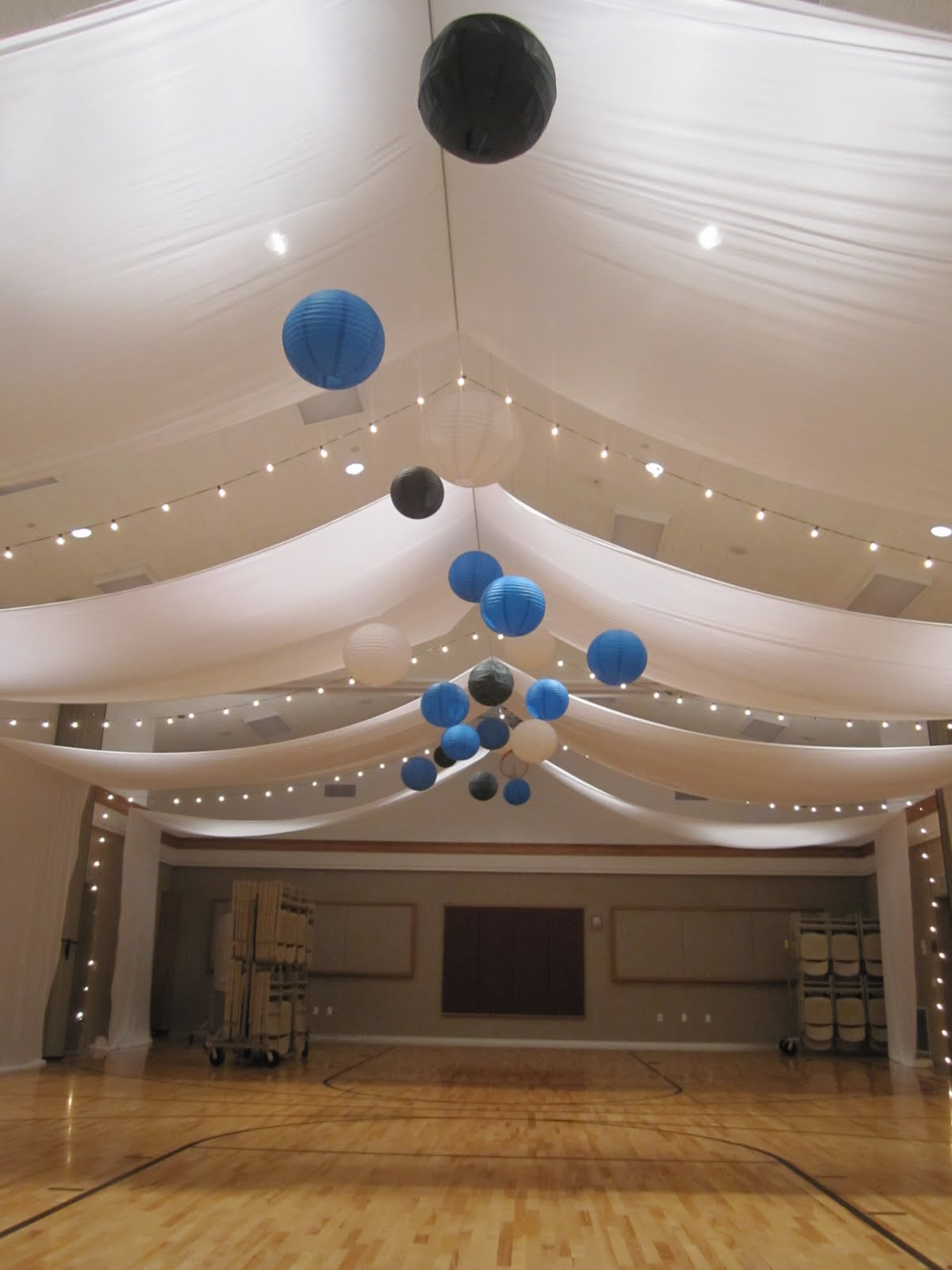 Uweddings open style ceiling with paper lanterns for Ceiling decoration items