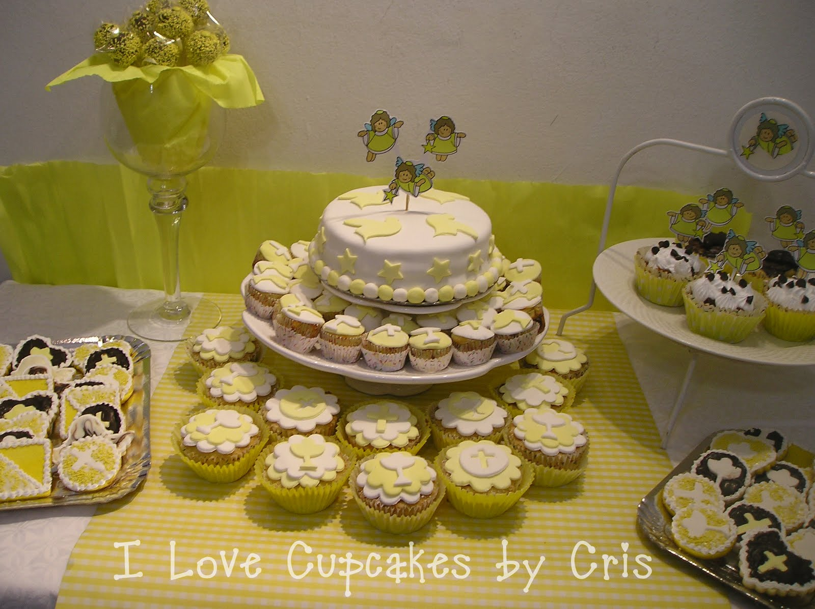 I love cupcakes mesa dulce para comunion for Mesa dulce para comunion