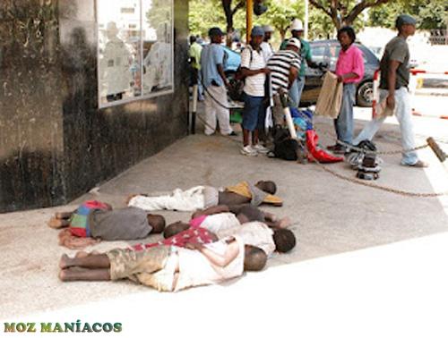 Dormindo na via pública