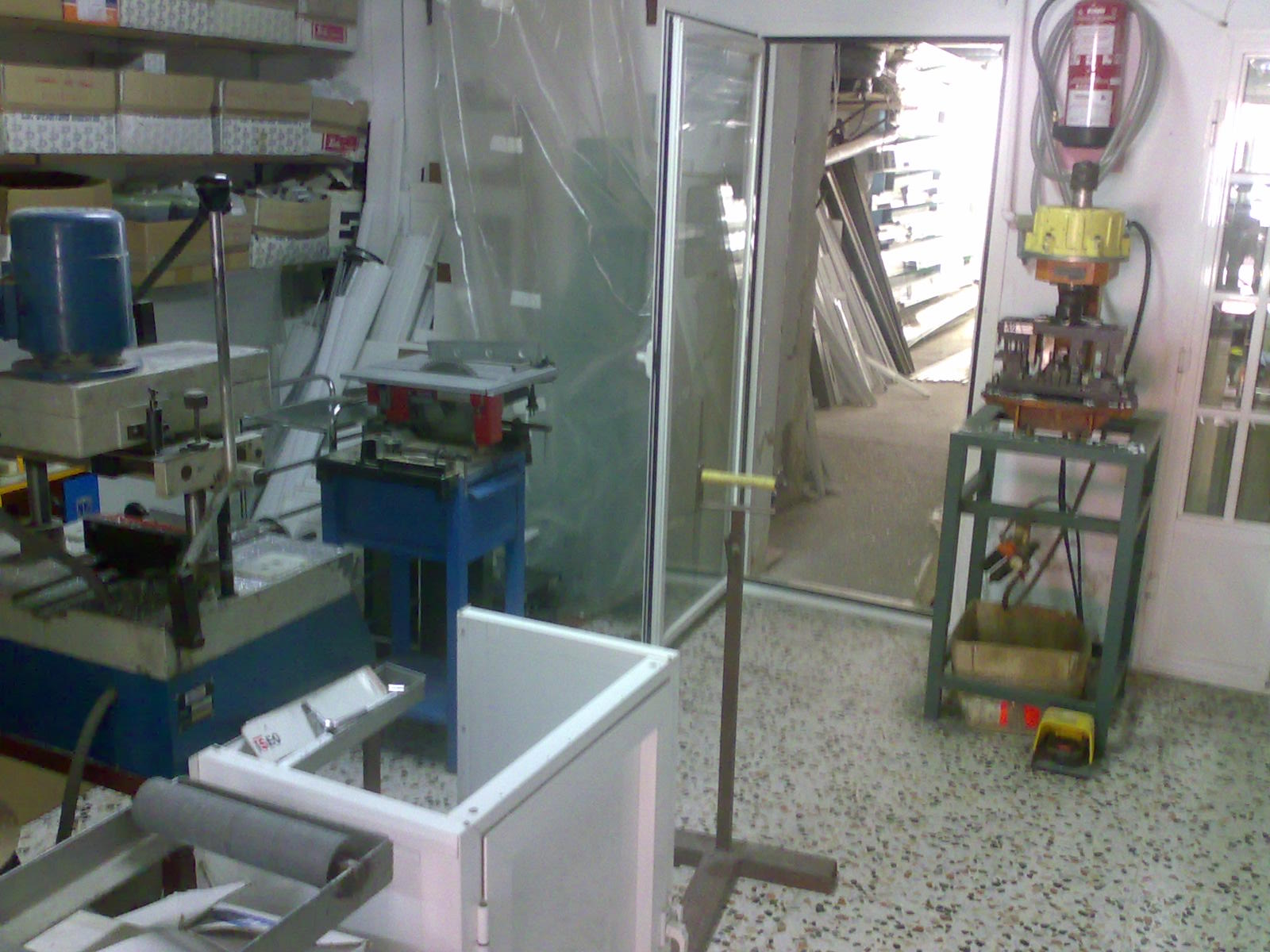 Cristaler a carpinter a de aluminio nogales - Cristaleras de aluminio ...