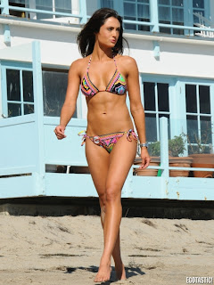 Katie Cleary Hot Photos in Bikini