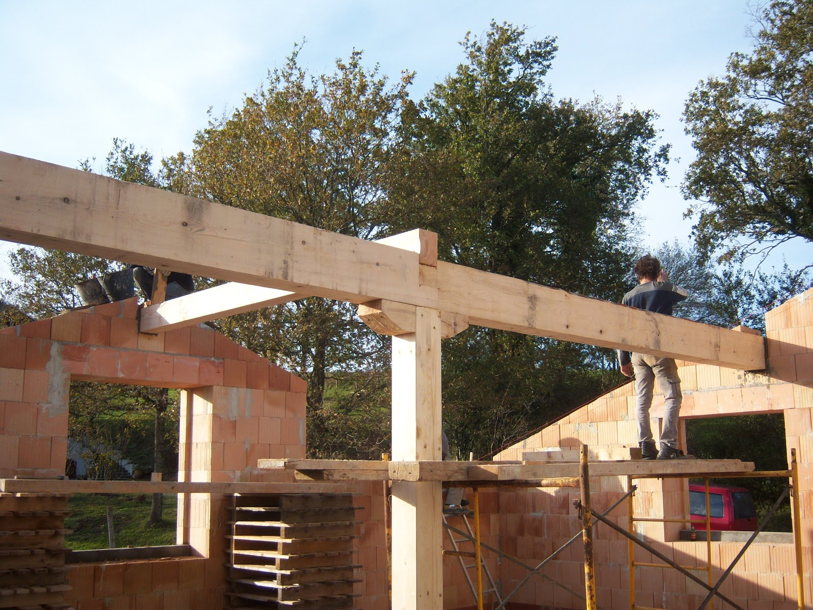 Andocarpinteando tejado con aislante de fibras de madera for Tejados de madera carpinteria