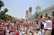 Miles de colimenses apoyan a Enrique Pena Nieto.