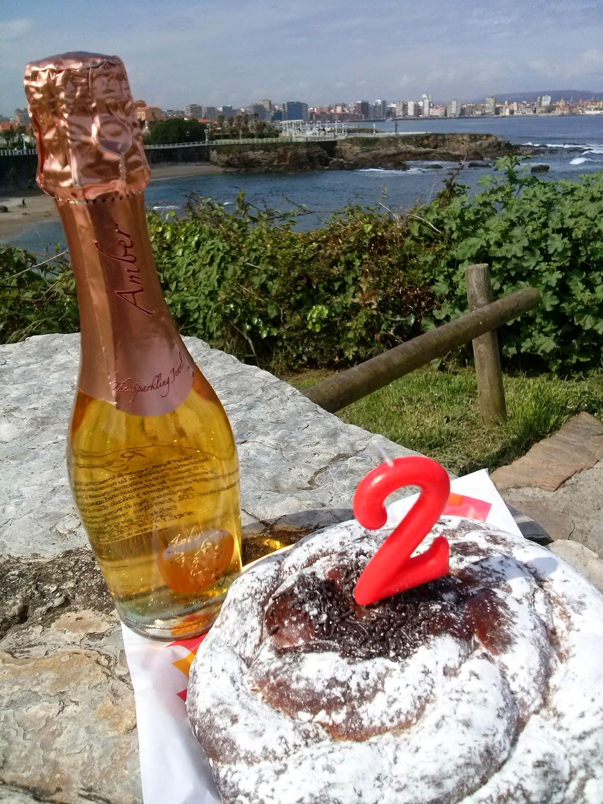 gijon bloggertrotters aniversario desayuno mar asturias