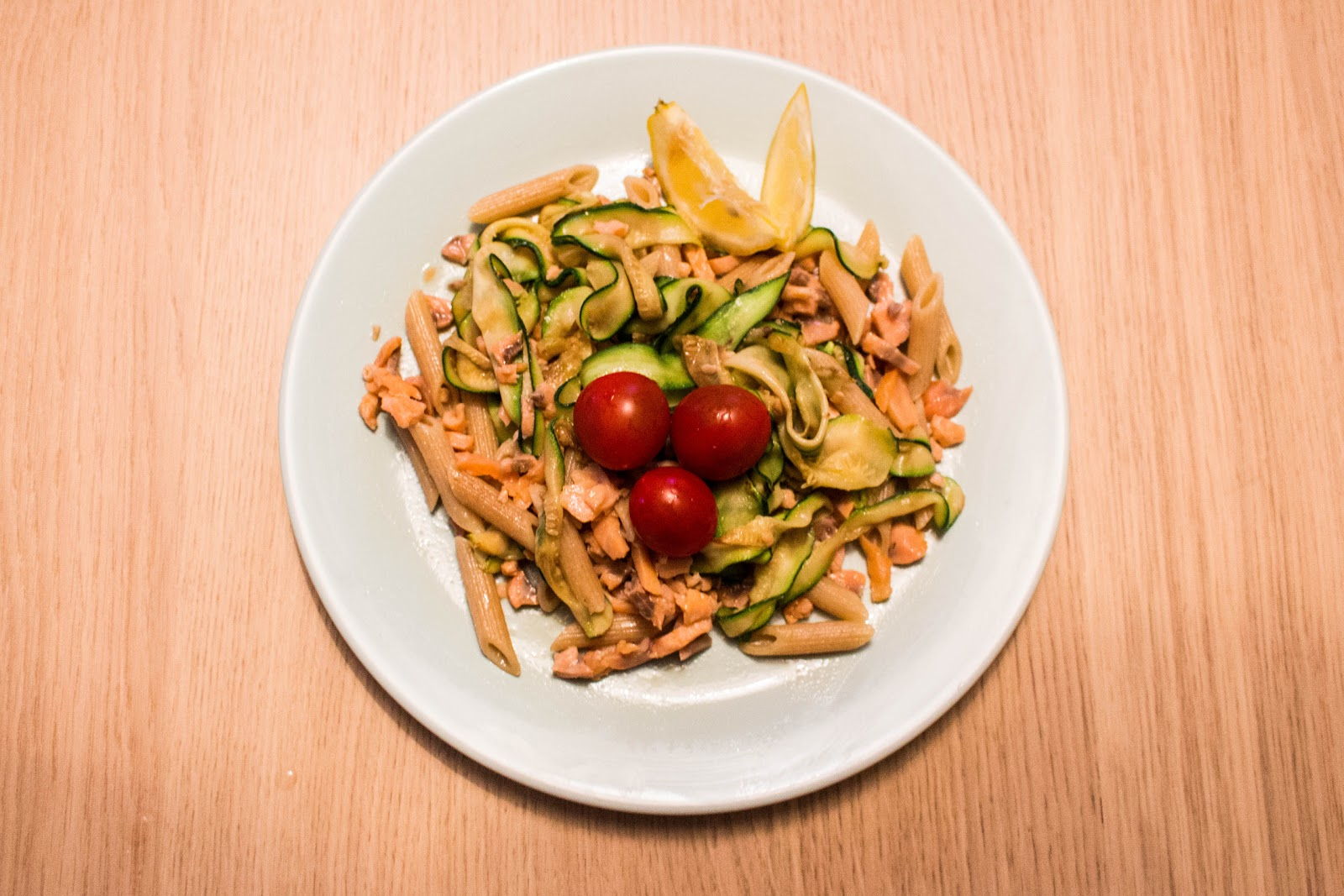 Smoked salmon and zucchini pasta | Svelte Salivations