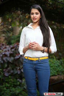 Kritika Singhal Pictures in Tight Jeans at Silk India Expo 2014
