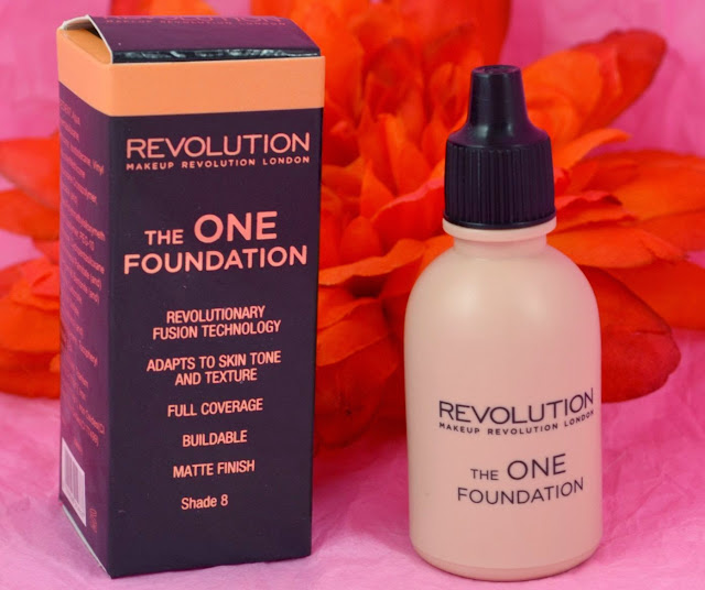 The one Foundation - Make up Revolution - foundation - matte finish - medium to full coverage - swatches - review - highstreet foundation - make up - makeup