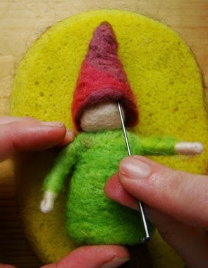 30 Awesome DIY Projects that You've Never Heard of - Needle-Felted Toys