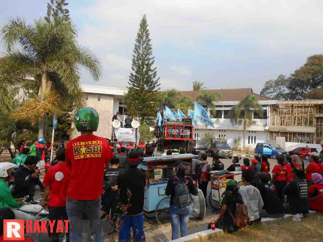 Buruh Subang: UMK 2016 Harus Rp3,5 Juta!