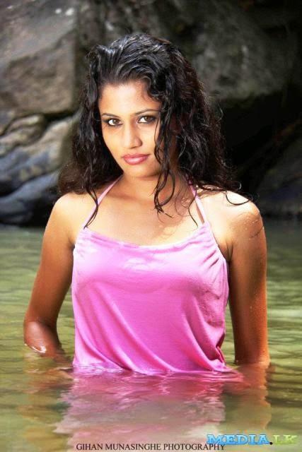 Oshadi Himasha Photos