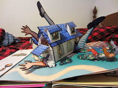 Pop up books, Alice in Wonderland, Alice in Wonderland House