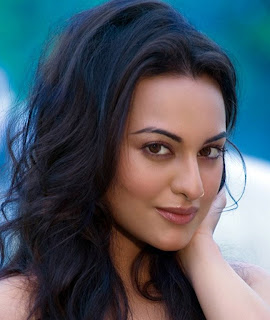 Sonakshi Sinha to play Kamal Haasan's wife