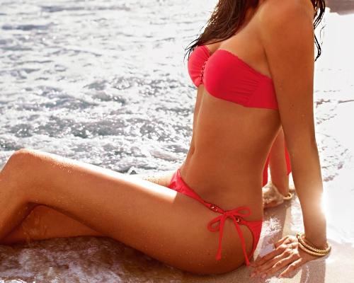 Korall bikini pánt nélküli felső és oldalt masnis zsinóros alsó - Calzedonia bikini 2013