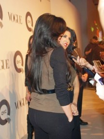 hot celebrity pics kim kardashian sexy pics photos with kourtney kardashian selena ebanks at the qvc and vogue fashion event in new york