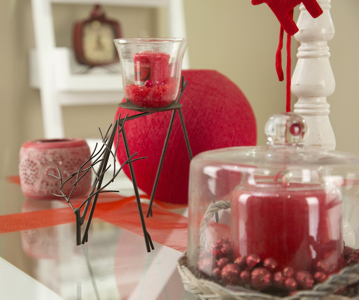 detalles mesa navideña en rojo