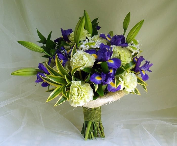 Best flower arrangements and designs blue and green tropical flower