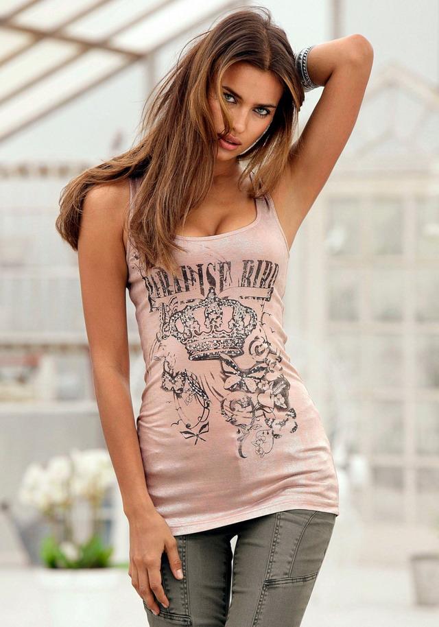 http://2.bp.blogspot.com/-KiAFMtHZh0U/TcYy6bBY84I/AAAAAAAAFlY/1dPCUFQP6nU/s1600/Irina-Shayk-8_resize.jpg