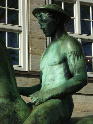 """Der junge Reiter"" statue of 1908 by Hermann Hahn, located next to the Kunsthalle Hamburg"
