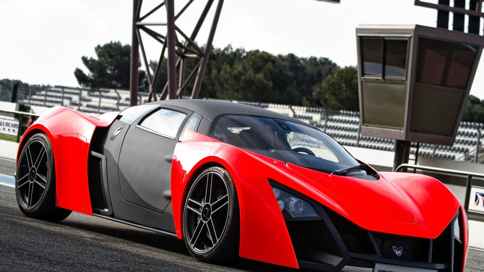 Red black fastest car