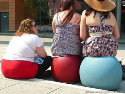 Funny Ladies Optical Illusion