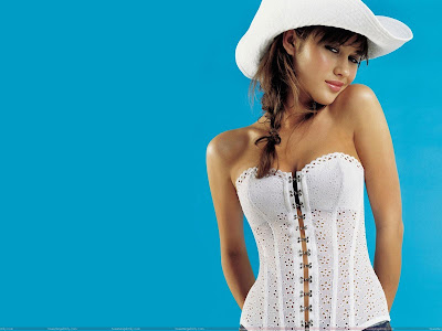 olga_kurylenko_hot_wallpaper_in_hat_sweetangelonly.com