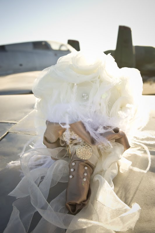 DIY wedding fleurs: How to make organza flowers and bouquets