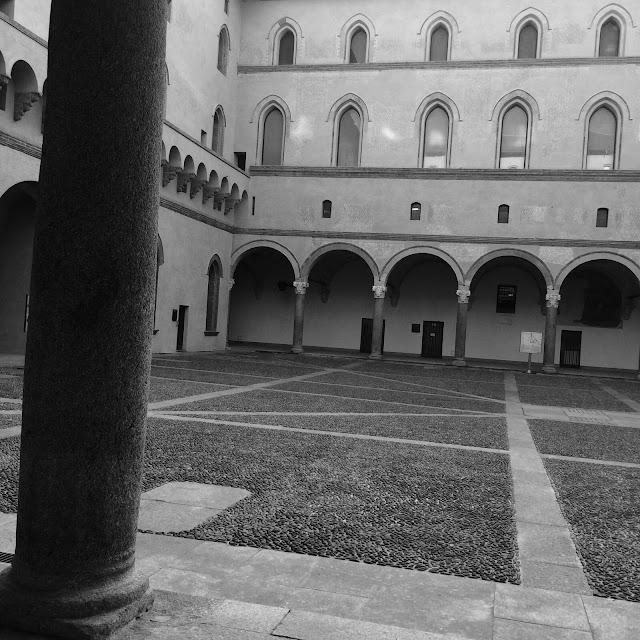 Castello Sforzesco Milano Black & White http://elisiroflife.blogspot.com