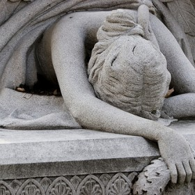 statue angel of grief
