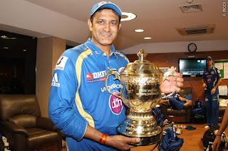 Anil-Kumble-celebrates-MI-Wining-IPL-2013