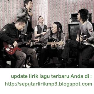 http://fernandagodoi.blogspot.com/2015/09/lirik-lagu-terbaru-naff-kesempurnaan.html