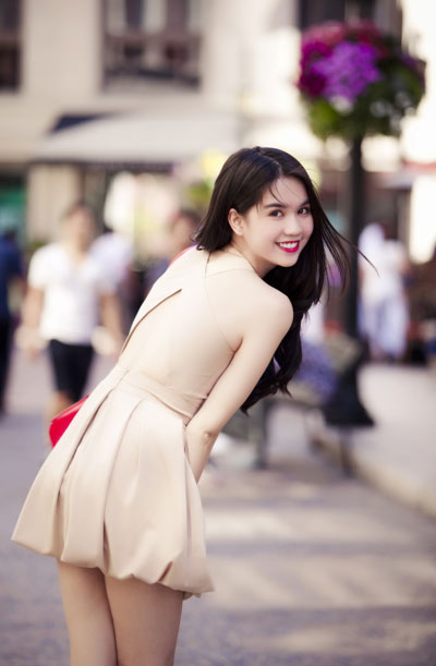 Ngoc Trinh beautiful in US - VietNam Bikini Model - 1000 asian ...