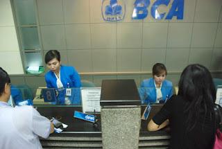 Lowongan Kerja Terbaru 2013 Bank BCA - D3, S1 dan S2 Pada Development Program dan Magang