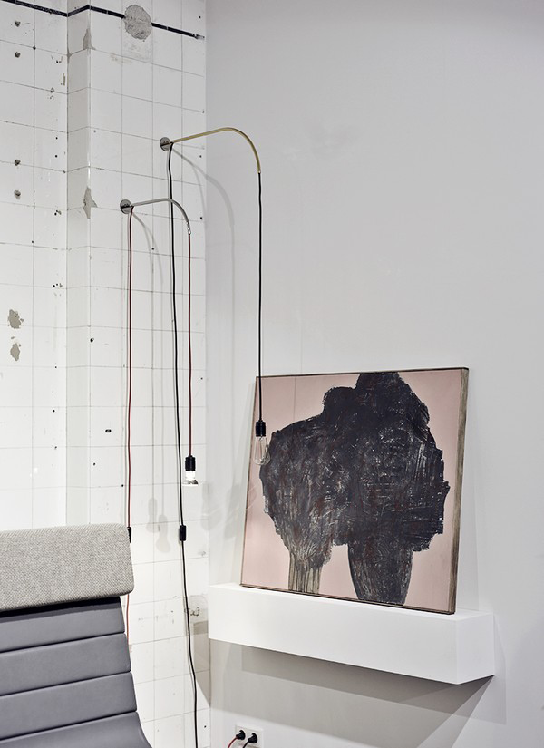This : Expose Shelf and Hangar Wall Lamp