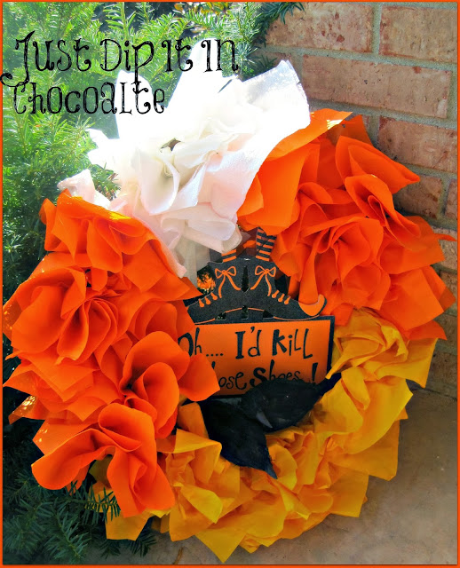 DIY Candy Corn Halloween Paper Napkin Wreath, #Halloween decor for only a few#halloweenwreath