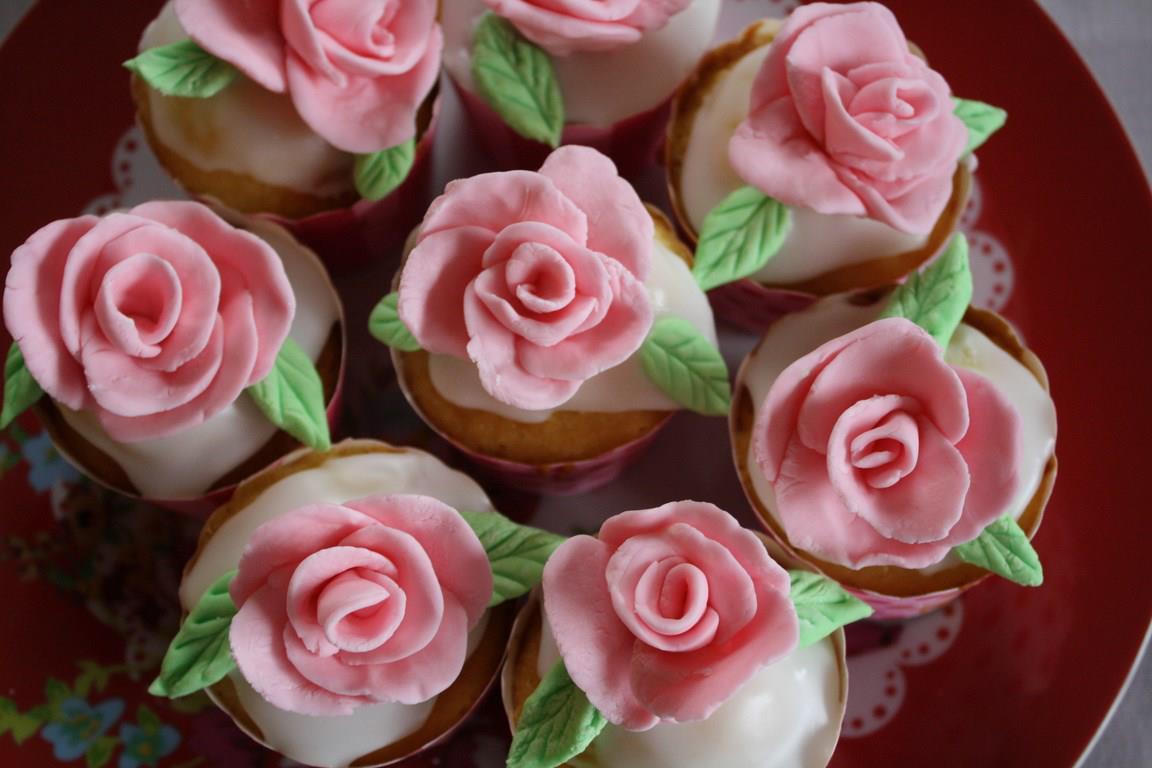 cupcake roses en pâte à sucre