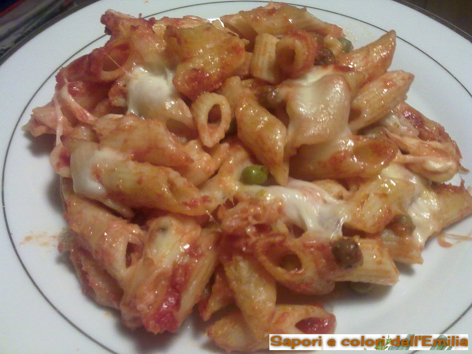 Ricetta pasta al sugo con mozzarella