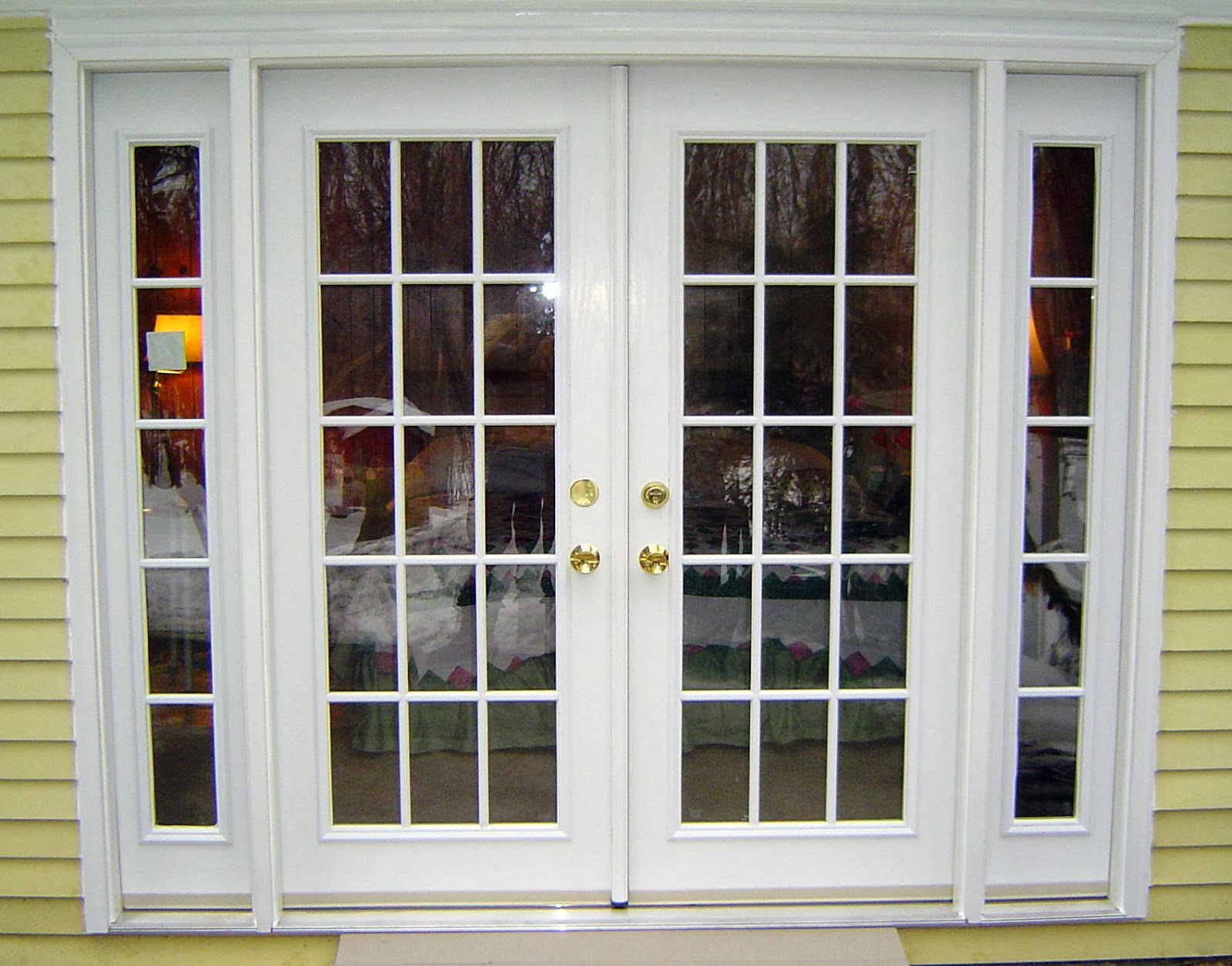 Fibreglass Door & Advantages Of Exterior Fiberglass doors : Pros Of Exterior ... pezcame.com
